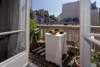 gite Saint Cloud PARIS CENTER BALCONY