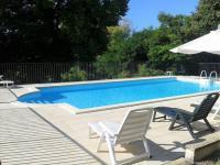 Location de vacances Bors (Canton de Montmoreau Saint Cybard) Location de Vacances La Petite Anglade