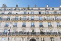 gite Paris 10e Arrondissement Appartement F2 avec balcon à Voltaire