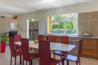 Location de vacances Roquefort les Pins Location de Vacances Grande villa moderne au calme avec piscine