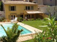 Gîte Six Fours les Plages Gîte Province House at the heart of Sanary, with private garden  pool