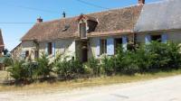 Location de vacances Villefranche d'Allier Location de Vacances Le Petit Savriere B-B