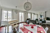 gite Paris 18e Arrondissement Spacious - familial flat near Louvre museum