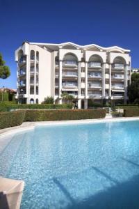 gite Cannes Beach Front Luxury Apartment