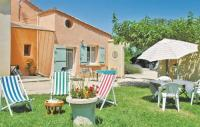tourisme Saint Paulet de Caisson Studio Holiday Home in Caderousse