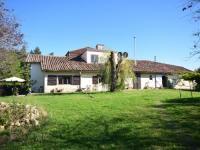 Location de vacances Esclassan Labastide Location de Vacances Maison Haut De La Colline