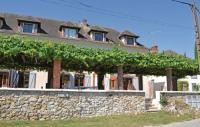 Location de vacances Montfaucon Location de Vacances Three-Bedroom Holiday Home in Jaulgonne