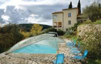 Location de vacances Claviers Location de Vacances Four-Bedroom Holiday Home in Callas
