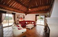 gite Bormes les Mimosas Three-Bedroom Holiday Home in Sollies Toucas