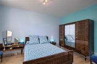 Le Chalet de Laurentin-chambre-Bleue-rez-de-chaussee-