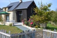 MEUBLÉ LE GRENOUILLET-Au-coeur-d-un-authentique-village-rural-le-gite-Le-Grenouillet-offre-calme-et-confort
