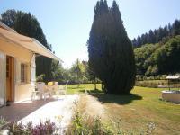 La maison du garde chasse et son étang-terrasse
