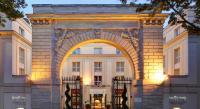 Hotel 4 étoiles L'Étang la Ville hôtel 4 étoiles Pullman Versailles Chateau