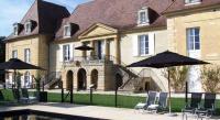 Hôtel Cause de Clérans hôtel Château Les Merles et ses Villas