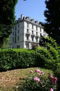 Hôtel Midi Pyrénées Hôtel Le Majestic by Poppins