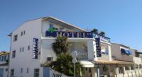 Hotel PACA Hôtel en Bord de Plage Les Palmiers En Camargue