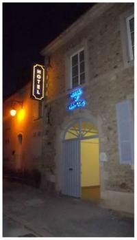Hôtel Lézigné Hotel Saint François