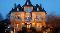 Hôtel Brouay hôtel Le Castel Guesthouse
