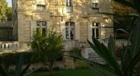 Comfort Hotel Châteauneuf du Pape Logis Hôtel Résidence Les Cèdres