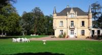 Hôtel Nozay Hôtel La Ferrière