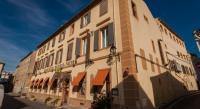 Hôtel Cassaignes Logis Hotel Moderne Et Pigeon