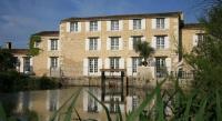 Hôtel Saint Jean d'Angle Logis Hôtel Le Moulin de Chalons