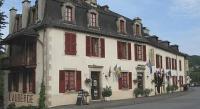 Hôtel Bassignac le Bas hôtel Logis Auberge de Forgès