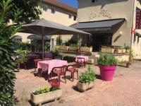 Hôtel Lournand Hotel Restaurant La Place