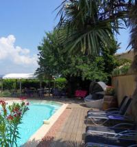 Hôtel Taillades hôtel Le Jardin d'Ivana