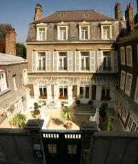 Hôtel Henneveux hôtel Enclos de l'évêché