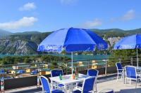 Hôtel La Bréole hôtel Domaine Residentiel de Plein Air Les Berges du Lac