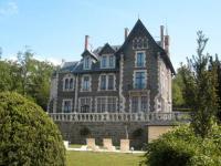 Hôtel La Chapelle sur Usson hôtel Le Manoir d'Alice