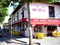 Hôtel Carcarès Sainte Croix Hôtel Bar des Arènes