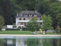 Hôtel Château des Prés Hotel Restaurant La Chaumiere du Lac