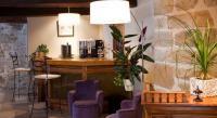 Hôtel Saint Gaudéric Hotel Restaurant Les Remparts
