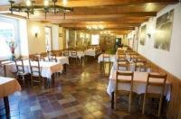 Hôtel Touillon et Loutelet Hôtel Restaurant Le Sire de Joux
