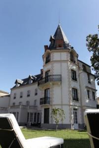 Hôtel Tourzel Ronzières hôtel Château Les 4 Saisons