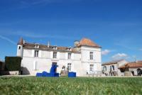 Hôtel Ronsenac hôtel Domaine de Montboulard