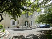 Hôtel Luché sur Brioux hôtel Château Ardilleux