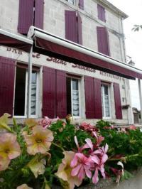 Hôtel Chantemerle sur la Soie hôtel Le Saint Savinien