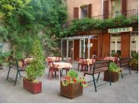 Hôtel La Villeneuve Bellenoye et la Maize Hotel du Lion Vert