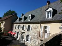 Hôtel Cheylade hôtel L'Enclos du Puy-Mary
