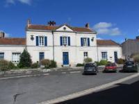 Hôtel Saint Martin des Fontaines L'Ancien Hôtel de Ville