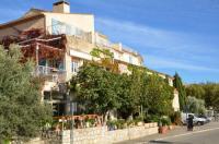 Hotel Balladins Allemagne en Provence Auberge du Lac