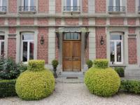Hôtel Cambrai hôtel Manoir le Louis XXI
