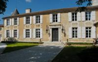 Hôtel Saint Jean d'Angély hôtel Relais du Silence Le Logis du Péré