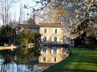 hotels Le Pontet Domaine Du Moulin