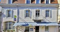 Hôtel Fontgombault Hôtel Le Lion d'Or