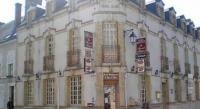 Hôtel Fay aux Loges hôtel Le Cheval Blanc