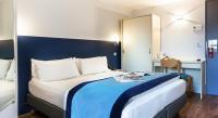Hotel Fasthotel Rueil Malmaison Hotel L'amandier